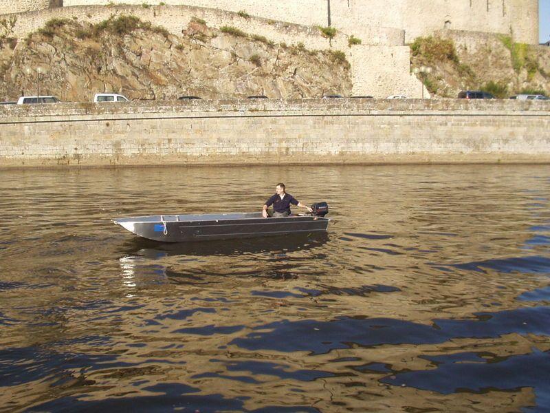 barque-travail-aluminium-a-fond-plat