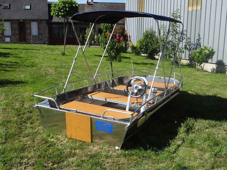 barque alu equipee d une console_8