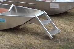 barque alu equipee d une echelle_12