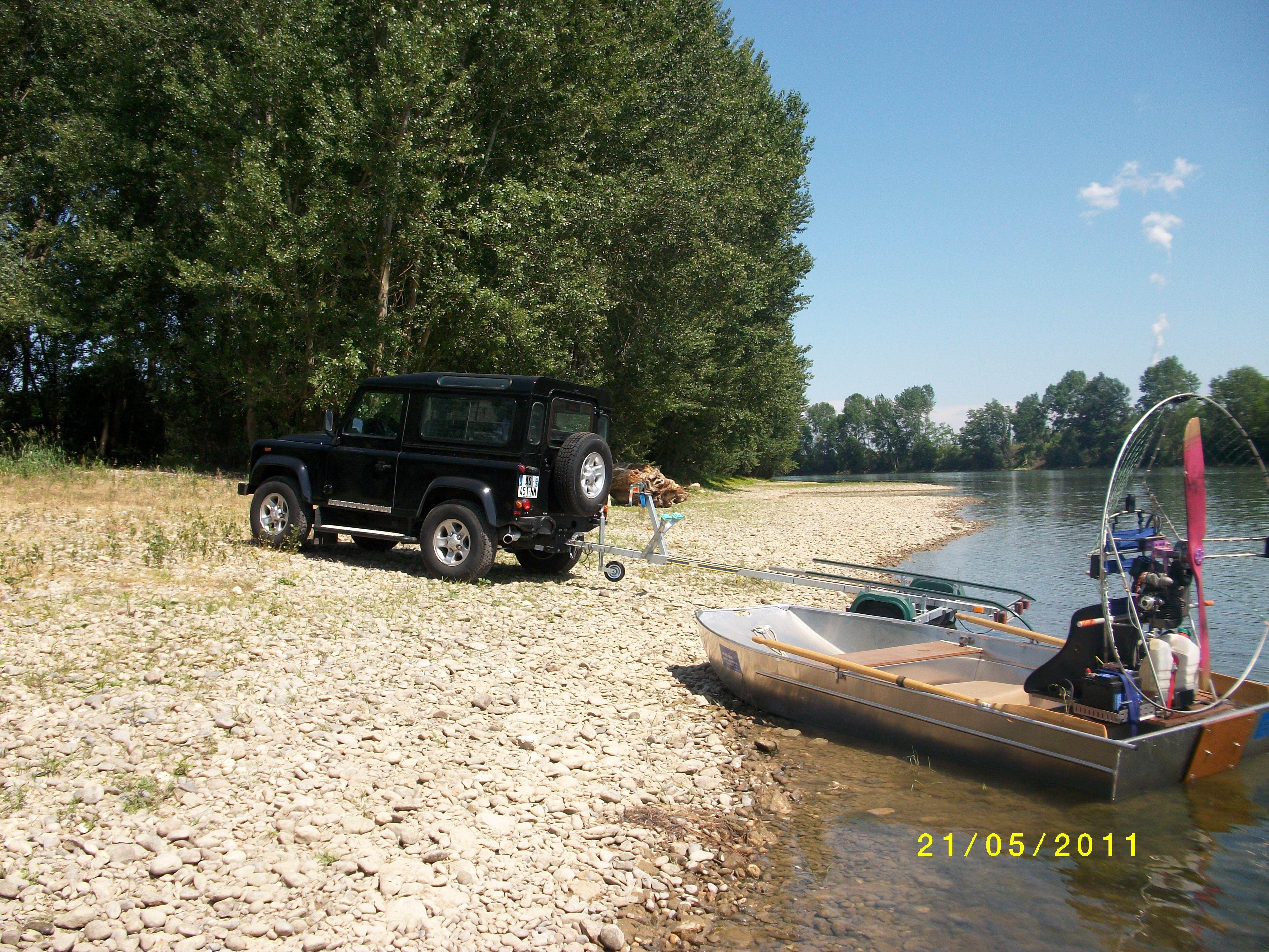 barque alu equipee en hydroglisseur_1