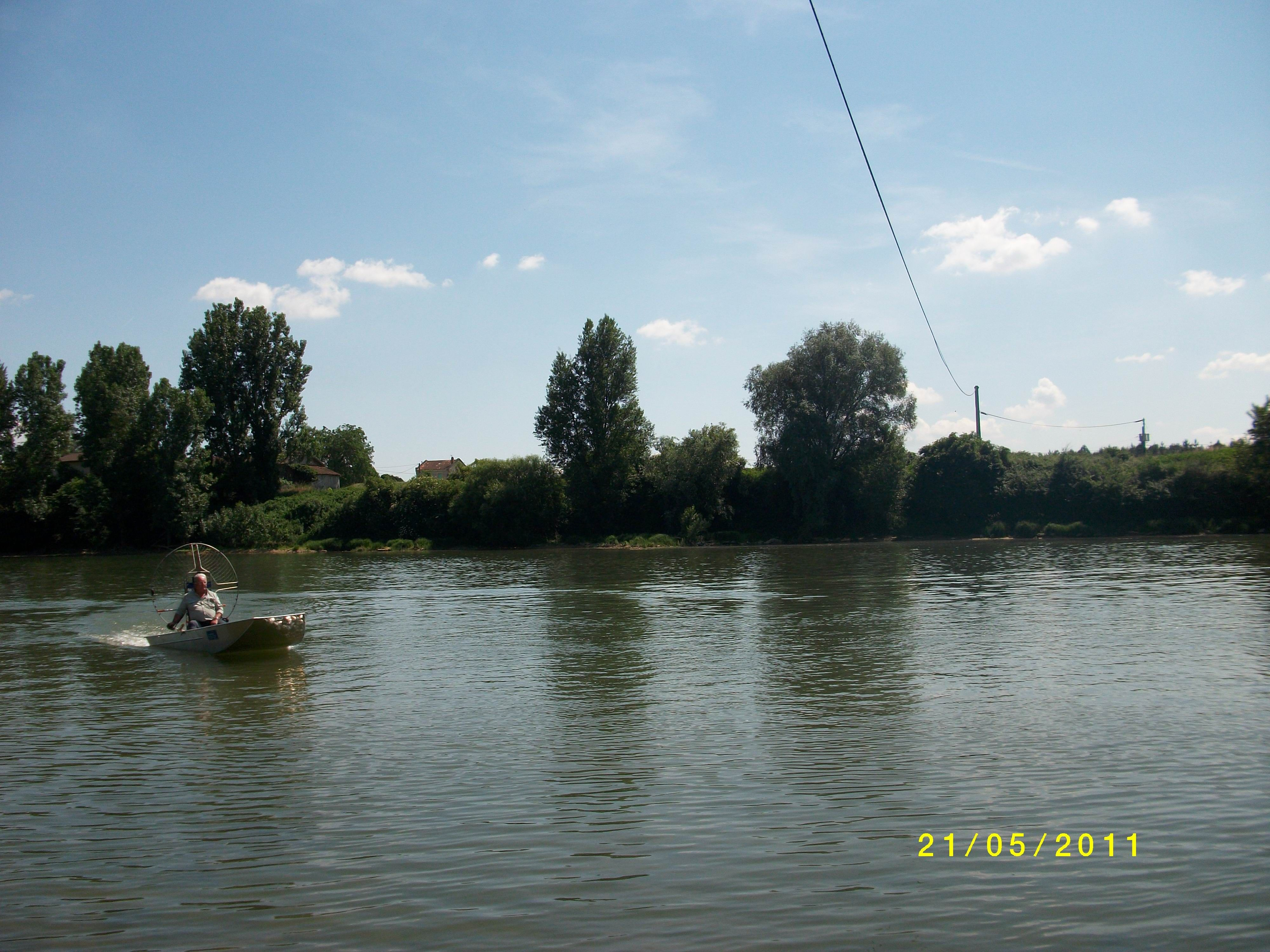 barque alu equipee en hydroglisseur_11