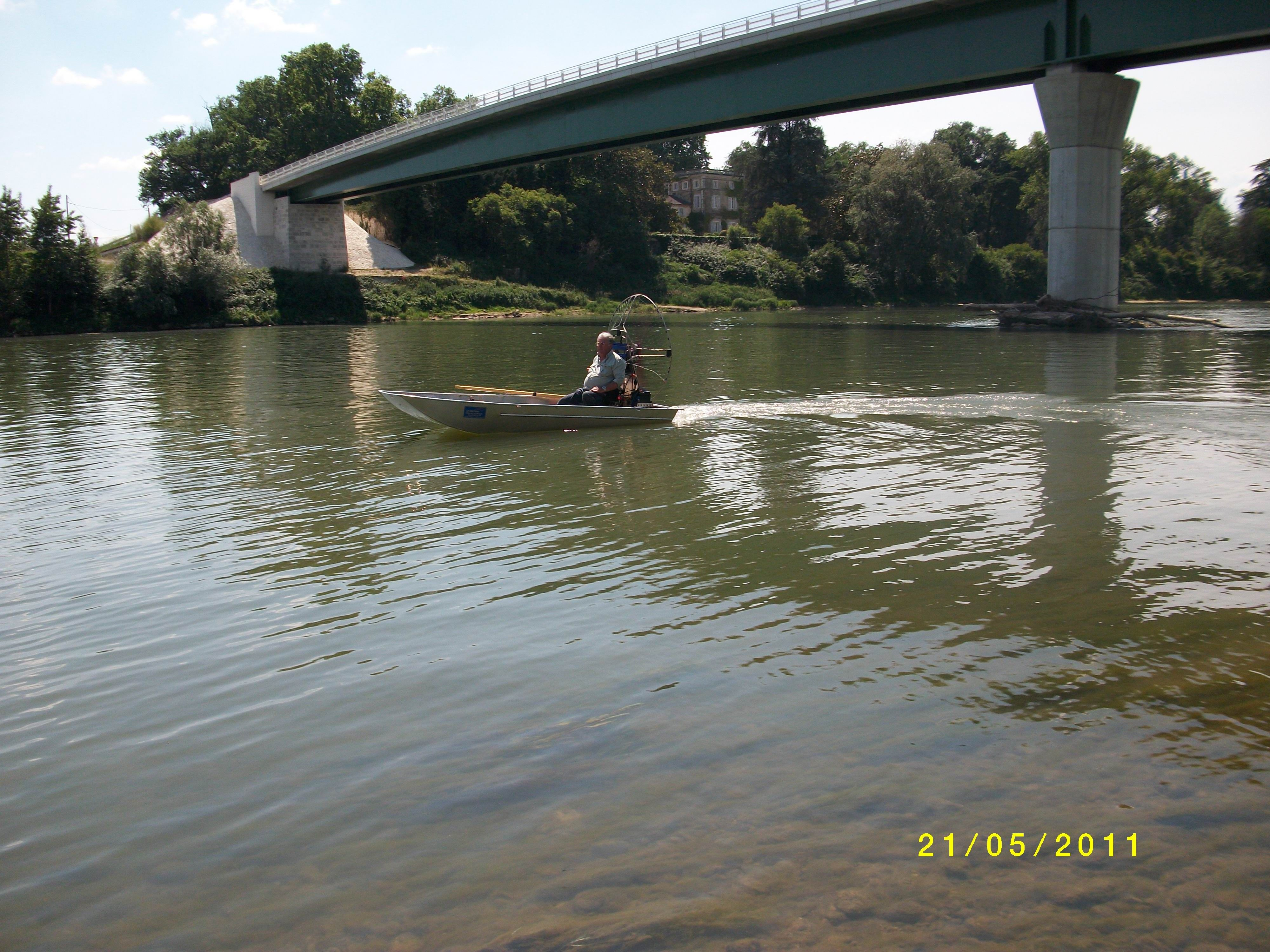 barque alu equipee en hydroglisseur_15