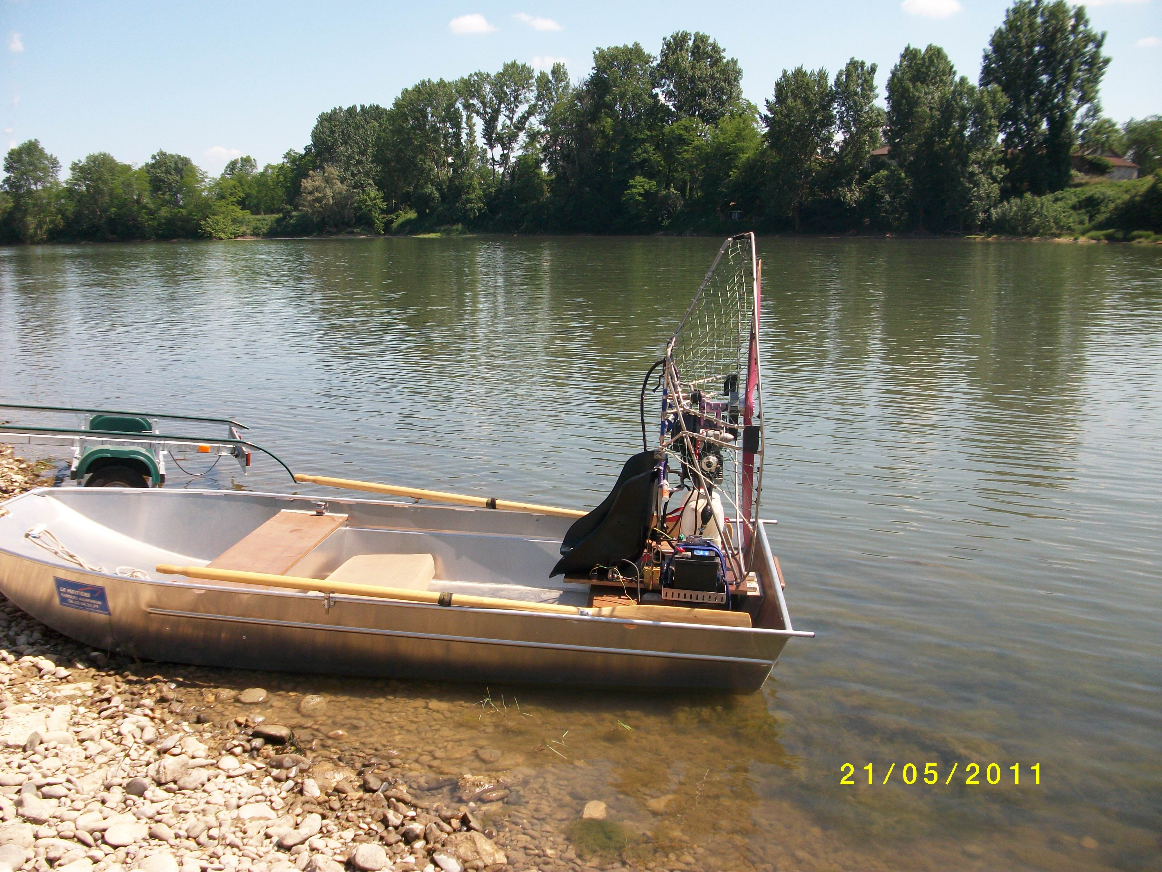barque alu equipee en hydroglisseur_3