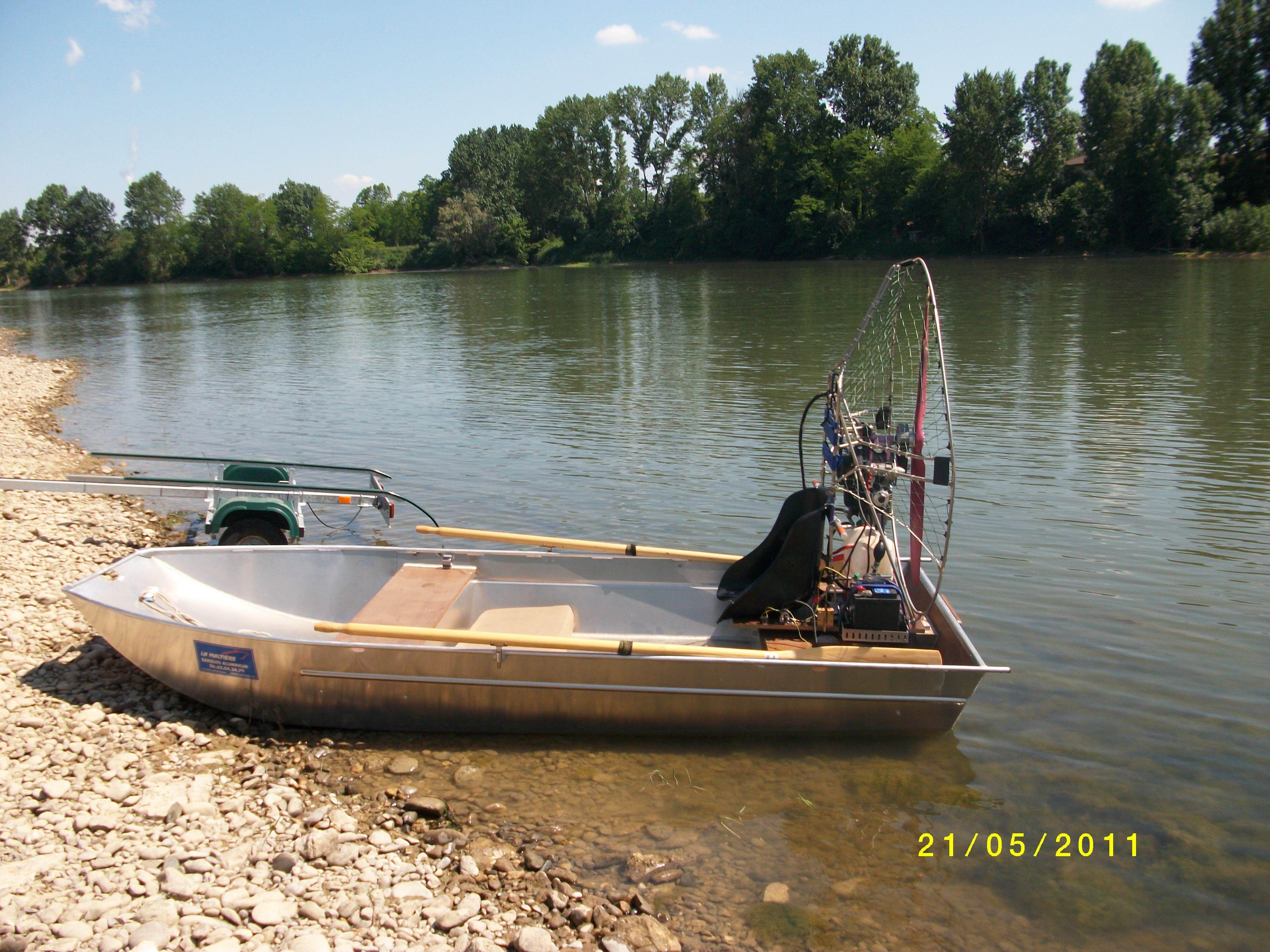 barque alu equipee en hydroglisseur_4