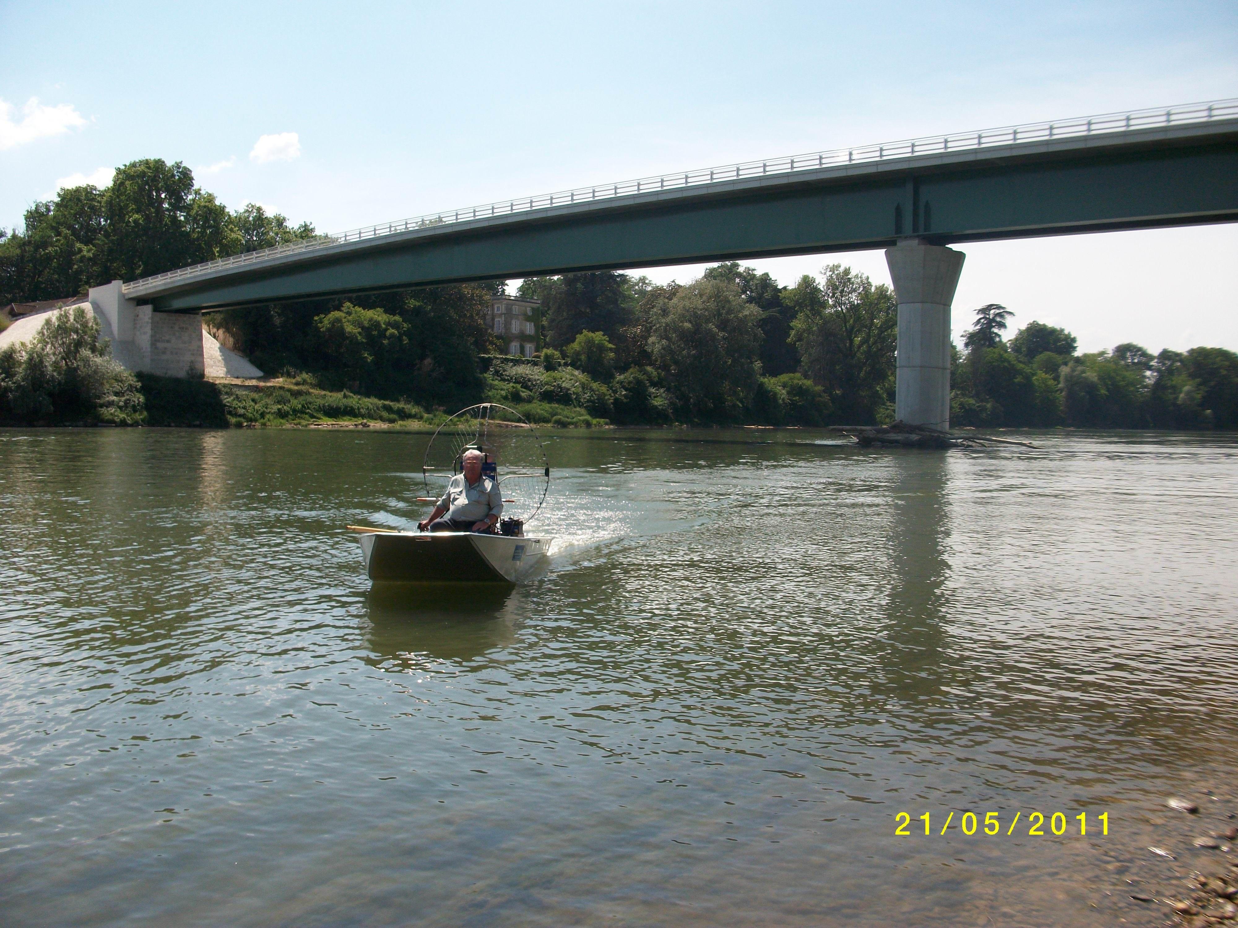 barque alu equipee en hydroglisseur_7