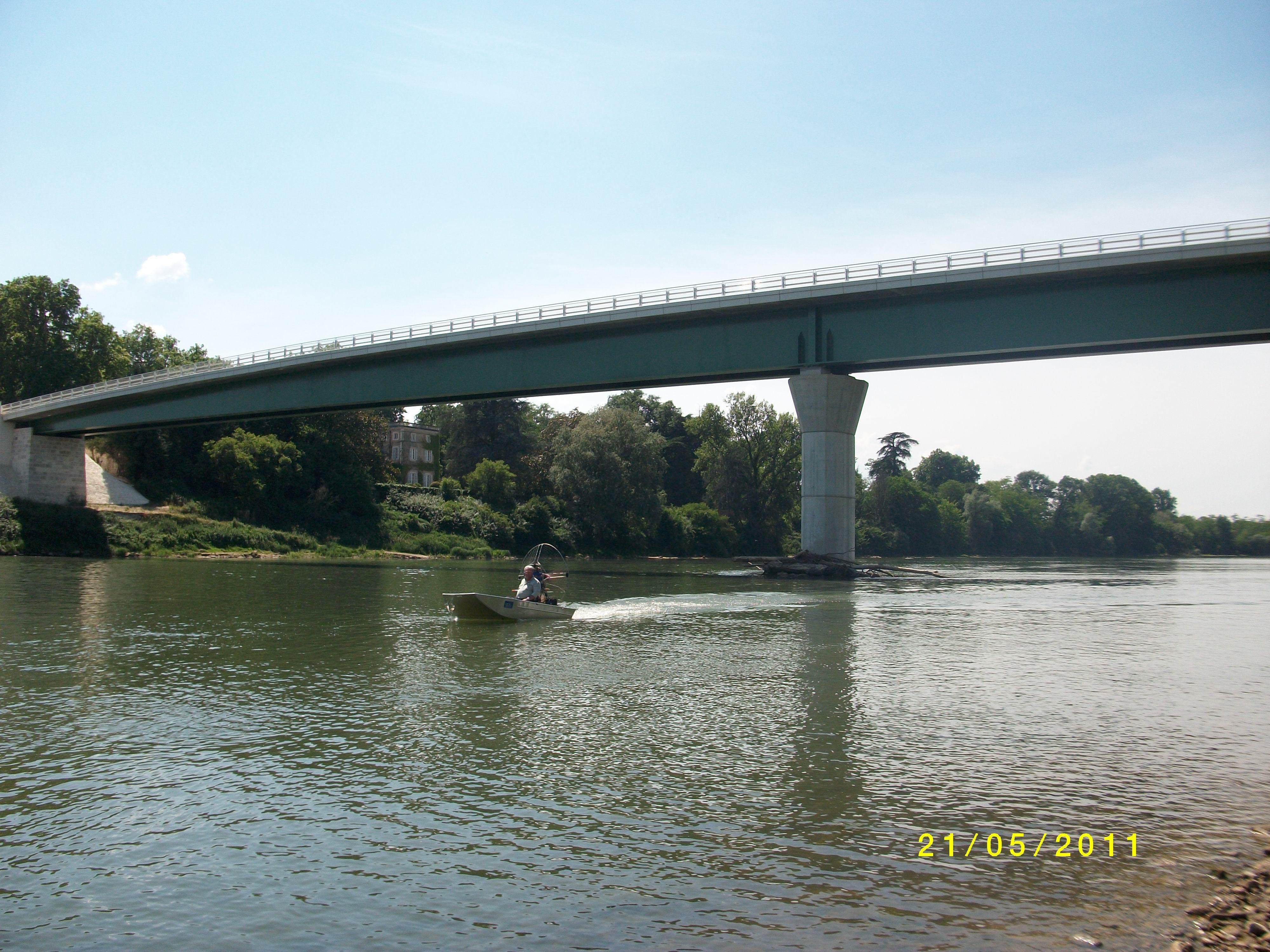 barque alu equipee en hydroglisseur_8
