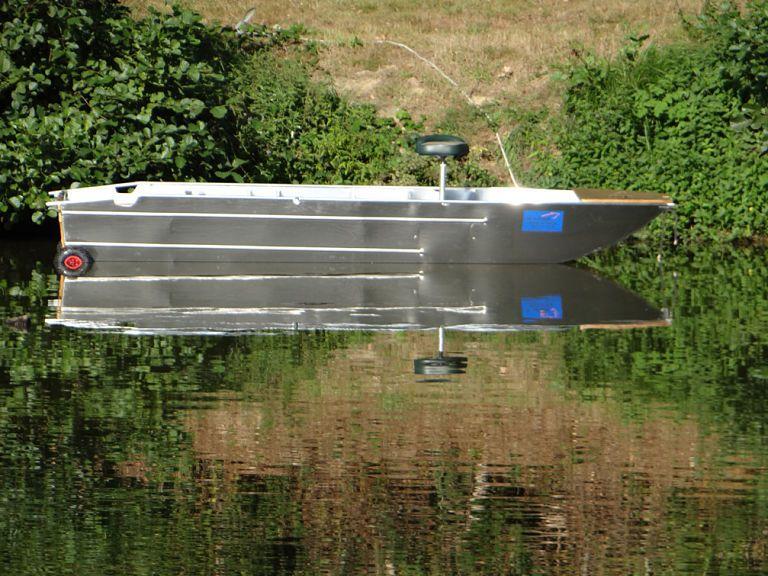 barque alu equipee avec plateforme_19