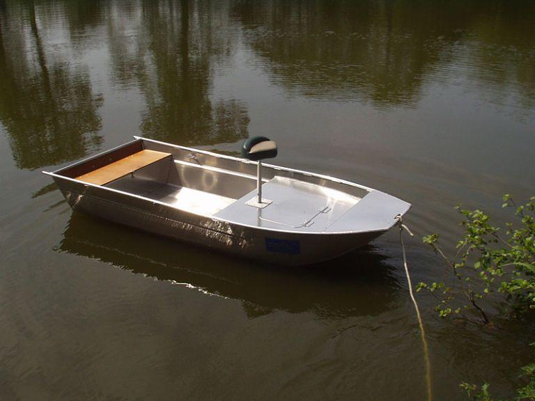 barque alu equipee avec plateforme_2