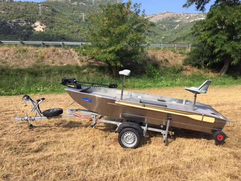 barque alu equipee avec plateforme_21