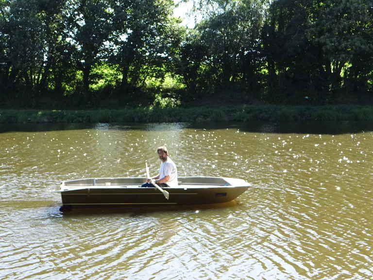 barque alu equipee avec plateforme_23