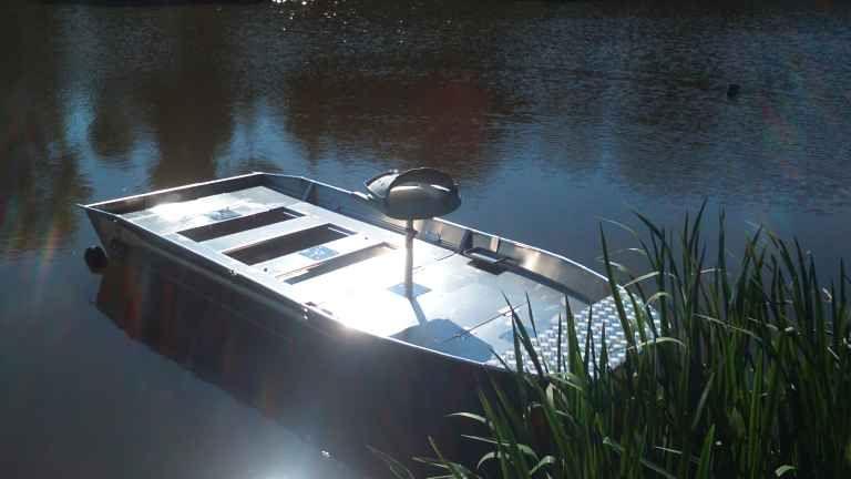barque alu equipee avec plateforme_31