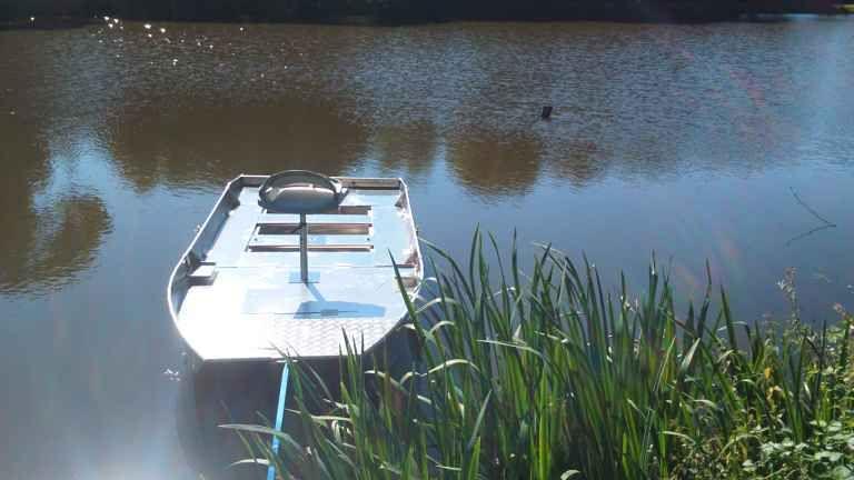 barque alu equipee avec plateforme_34