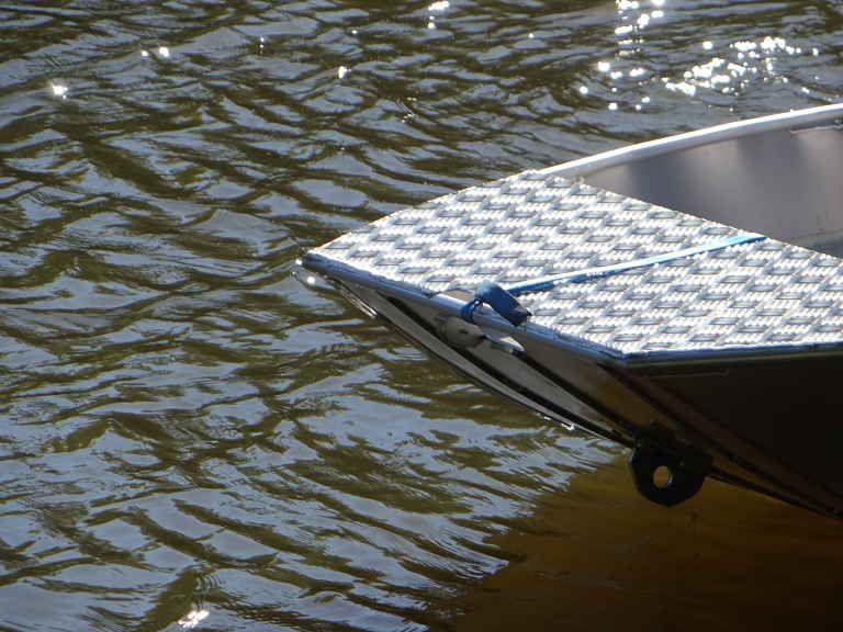 barque alu equipee avec plateforme_35