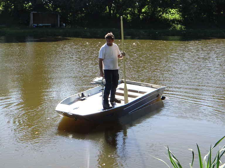 barque alu equipee avec plateforme_38