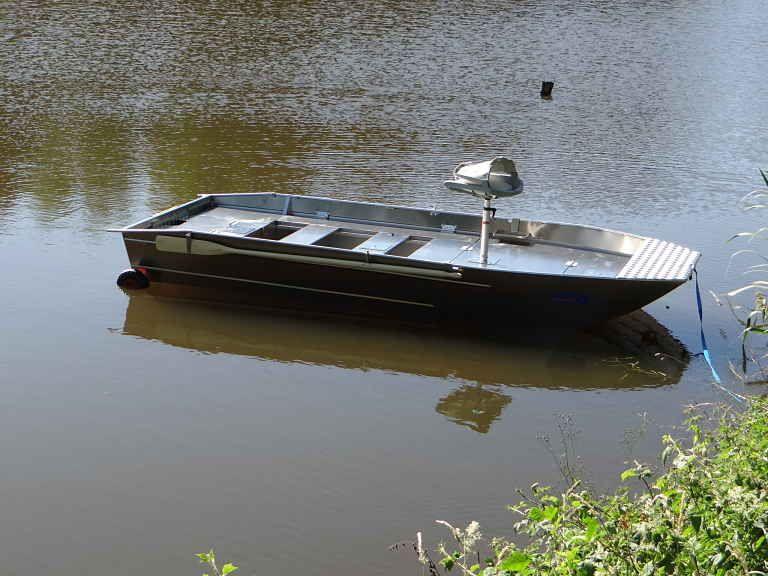 barque alu equipee avec plateforme_42