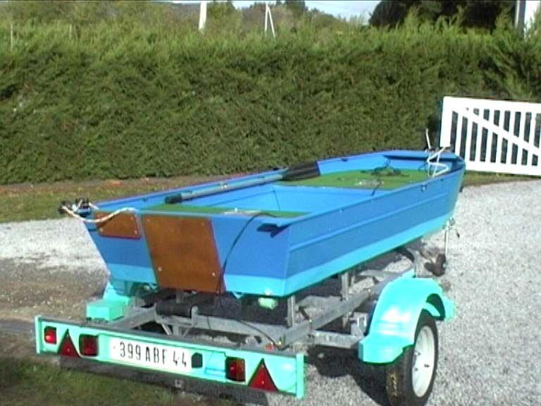 barque alu equipee avec plateforme_44