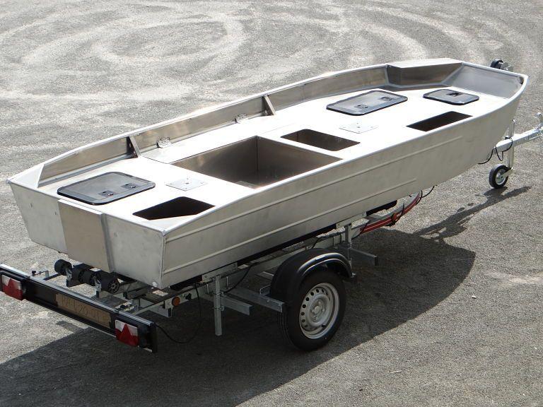 barque alu equipee avec plateforme_5