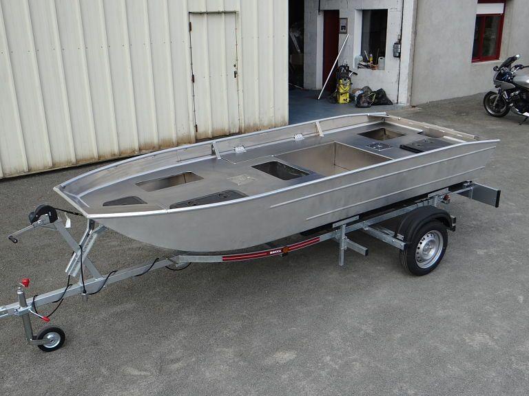 barque alu equipee avec plateforme_8