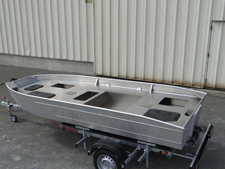barque alu equipee avec plateforme_9
