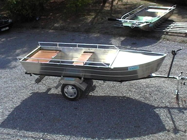 barque alu equipee avec plateforme_98