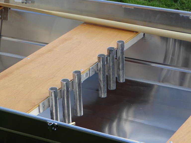 Barque fait main en aluminium - SupportsDeCannes