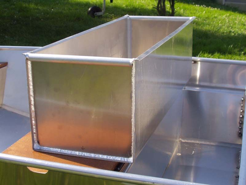 Barque fait main en aluminium -vivier